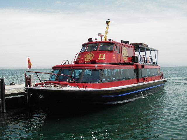 赤備え船直政201705-竹生島到着