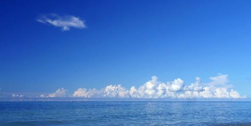 水平線雲7-26,8-55 P1120700