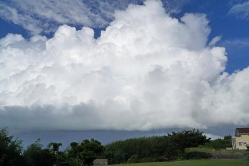 雲散歩-c8-25 P1130372