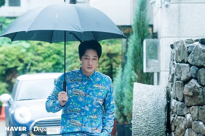 傘、どいてくれる?.