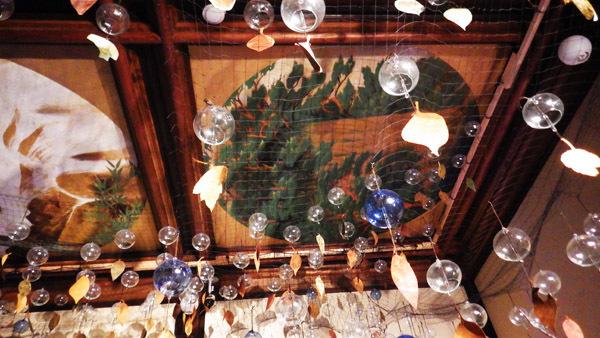 天井画と風鈴
