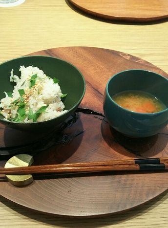 仁多米とトマト味噌汁