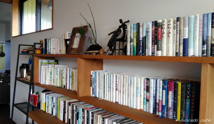 3・間の本棚