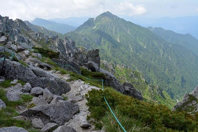 中岳西側3