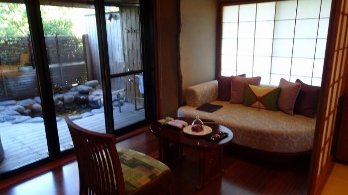 坐魚荘部屋 (6)