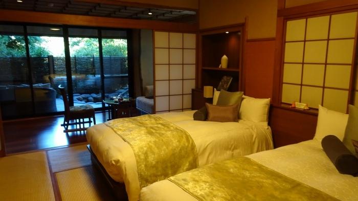 坐魚荘部屋 (4)