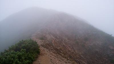 斜里岳8月頂上方向