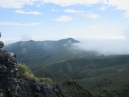 摩周岳から西別岳方面(9月)