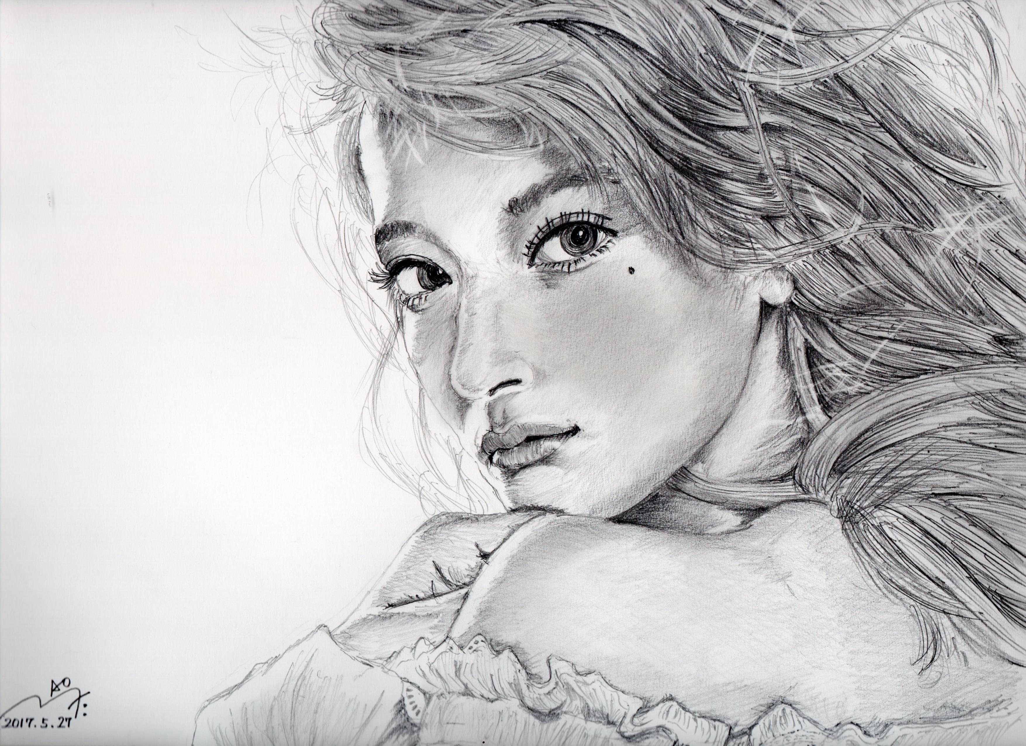 ローラの鉛筆画似顔絵