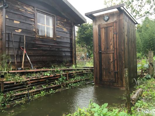 トイレ小屋床下浸水