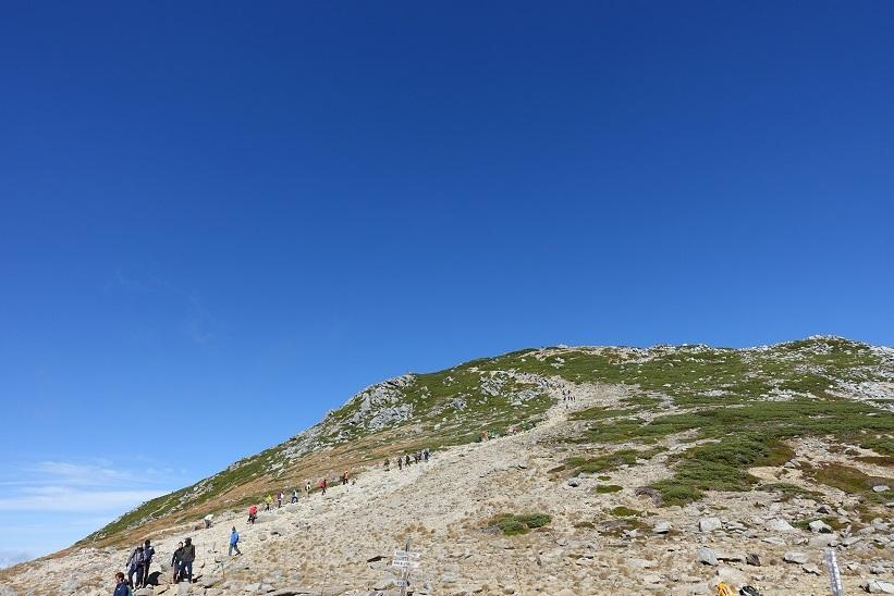 18 木曽駒頂上方面を振り返って 15%