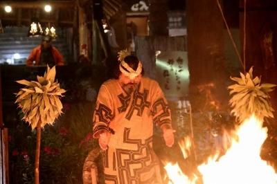 千本タイマツの儀式