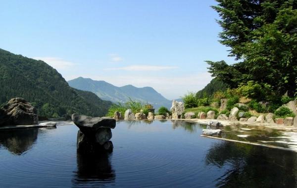 馬曲温泉の露天風呂