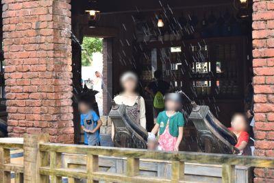 香港ディズニーの水鉄砲