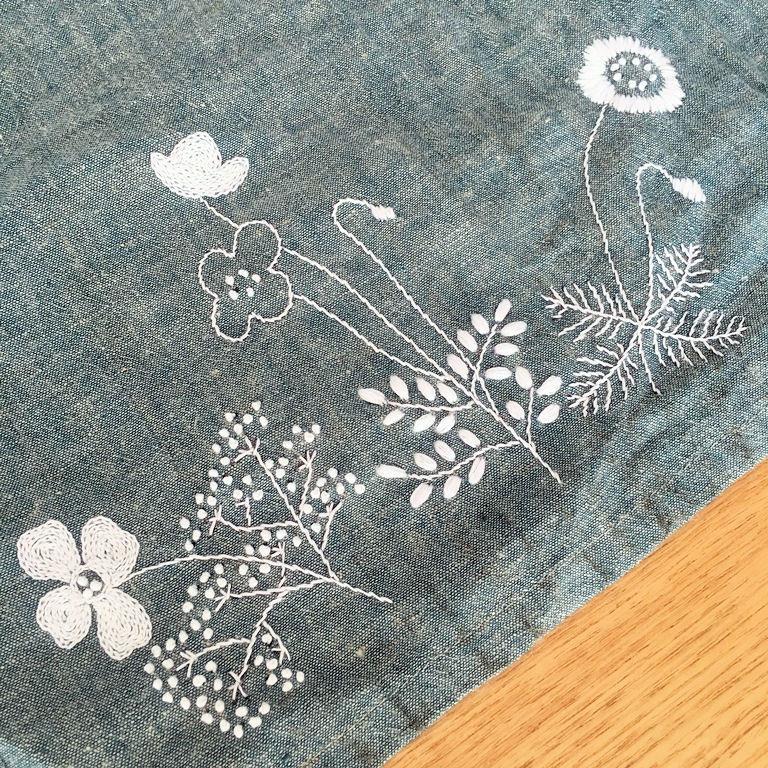 刺繍スカート3