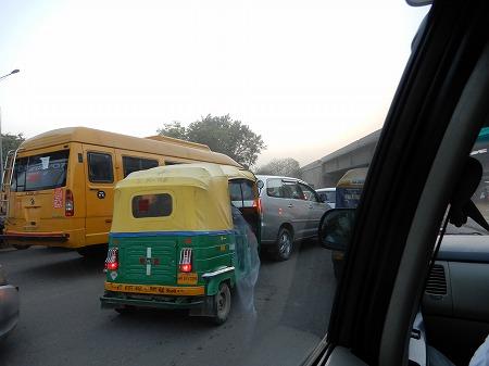 渋滞の喧騒が聞こえます!