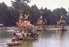 津島神社船昼