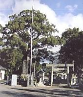 都波岐神社境内入口