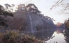 伊賀上野城天守閣と堀