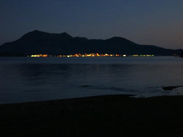曙公園 対岸の明かり