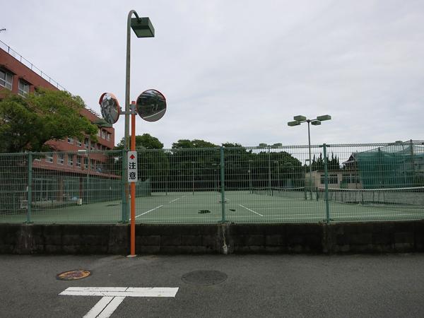 柳川高校 テニス部 コート