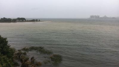 琵琶湖大橋西詰めから眺めた北湖(10月22日12時15分頃)