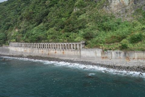 17大崩海岸旧道の洞門