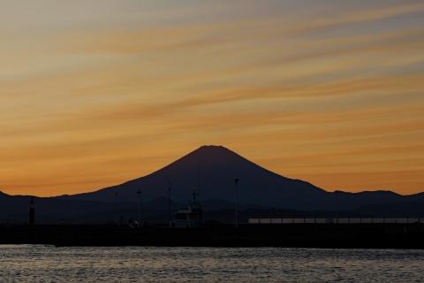 19江の島・東浜富士山
