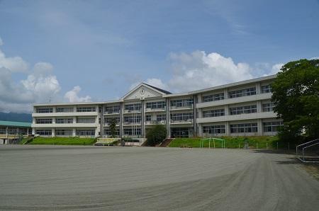 廃校を訪ねて...............名久田小学校 (2017年8月21日)(群馬県 ...
