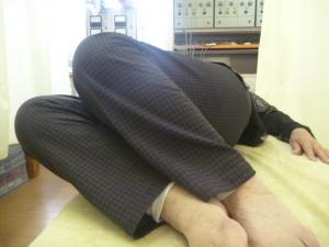 施療後 両膝立て右側へ倒し65°