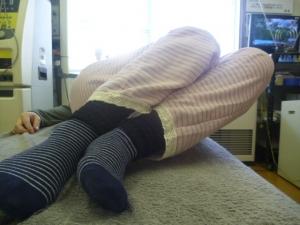 施療前 左倒しで右腰に痛み