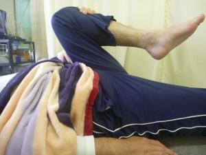 施療後 左股関節曲げやすい