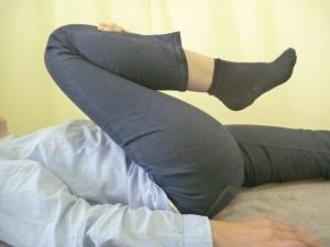施療後 右股関節屈曲行いやすい