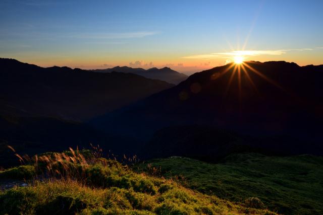 山頂の日の出(1)
