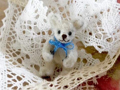 white_bear.jpg