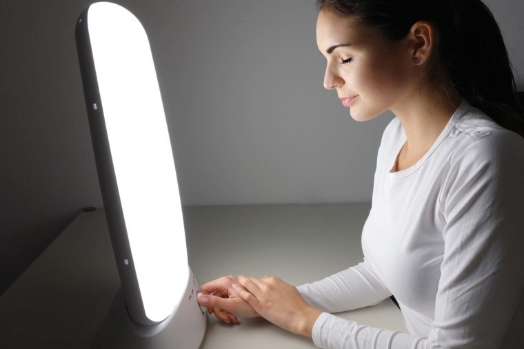 i-used-light-therapy-for-a-week-456054771-Rocky89-760x506.jpg