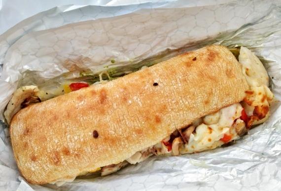 コストコ ◆ チキンチャバタ ホットサンドイッチ 420円也 ◆