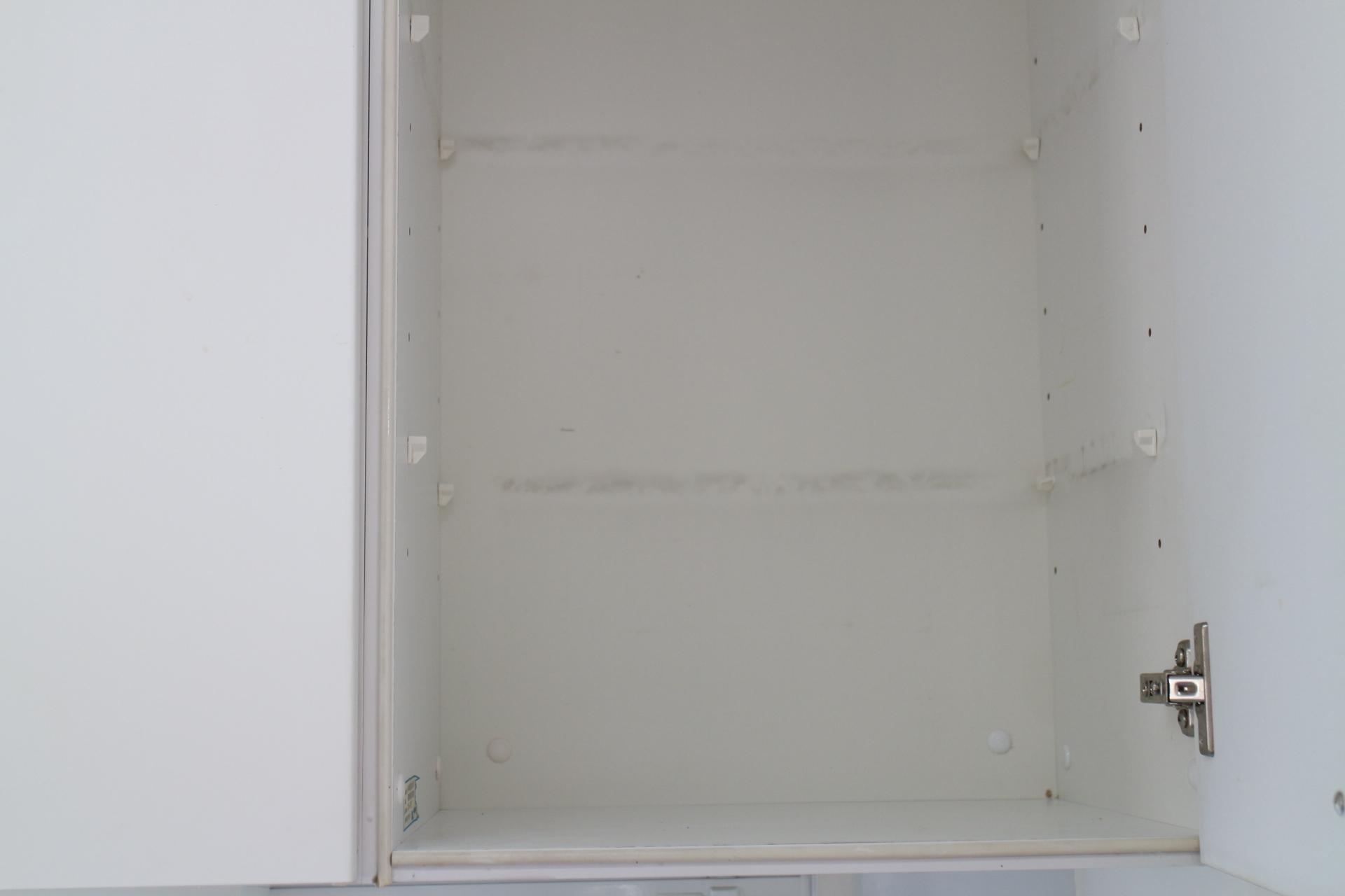 吊り戸棚1