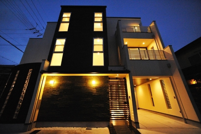 9京都市右京区太秦のかっこいい家