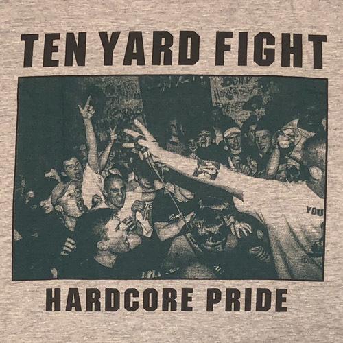 tenyardfight-livephoto2.jpg