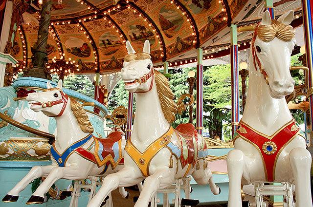 atraction_ride_carouseleldorado_002.jpg
