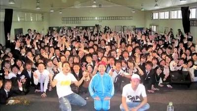 【芸能人サプライズ】号泣!先生へ贈るファンキーモンキーベイビース卒業式サプライズライブ!