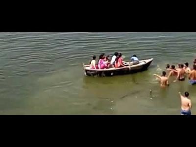 【苦笑】インド人・・・29人が溺れてる人を助けない・・・騒いでるだけ!おいおい!