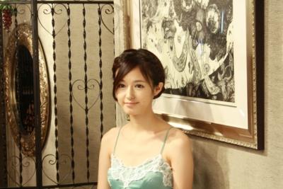 【きれい!】銅版画家の小松美羽が美人過ぎてヤバい!