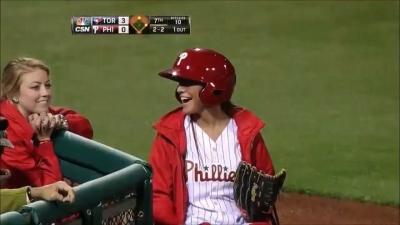 【いいね!】MLBのボールガールズが可愛くてキャッチが上手い!