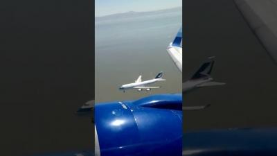【衝撃!】飛行機が着陸態勢・・・ニアミス?近すぎ!
