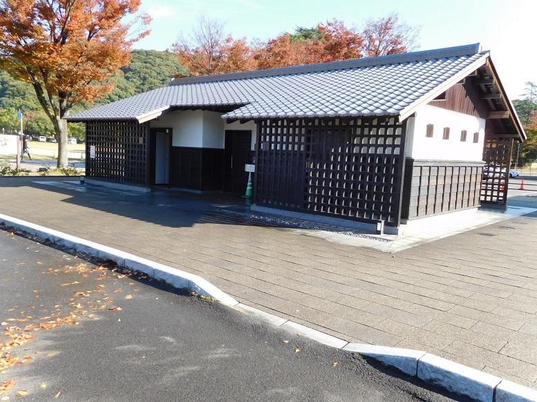 堀之内西側公衆トイレ (5)