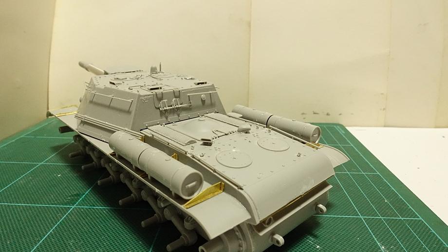トランペッター その3 No.01571 ソビエト軍 SU-152 重自走砲 その3