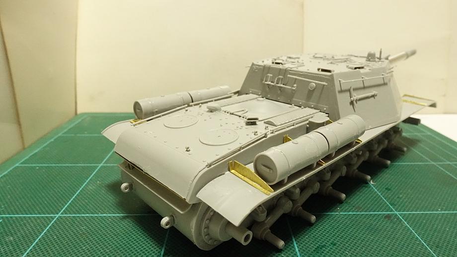 トランペッター その3 No.01571 ソビエト軍 SU-152 重自走砲 その4