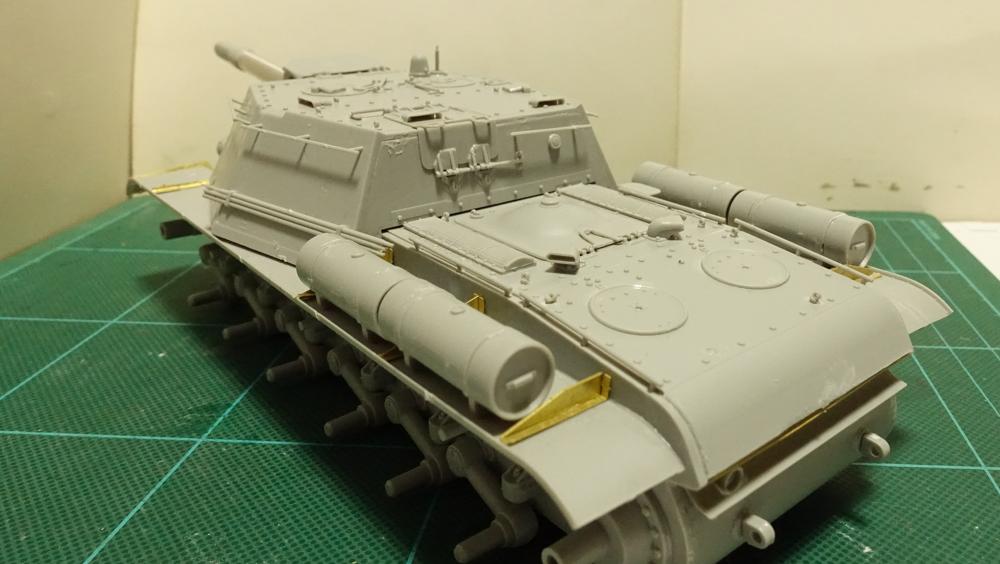 トランペッター その3 No.01571 ソビエト軍 SU-152 重自走砲 その6